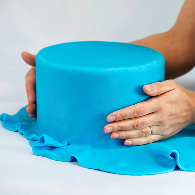 Cake With Fondant Storage : Homemade Fondant Recipes vs. Commercial Fondant